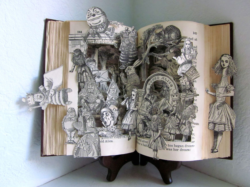alice-in-wonderland-book-sculpture