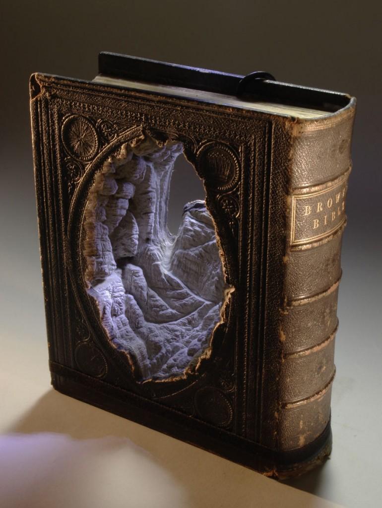book-sculpture-cutting-paper-art