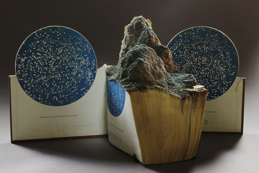 book-sculpture-cutting-paper-art-old-star-map